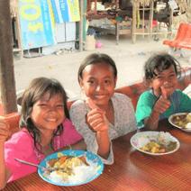 孤児院で給食活動!