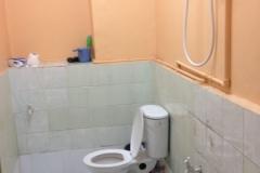 NPO施設のトイレとシャワー
