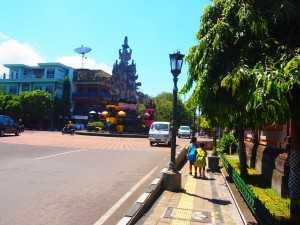 バリ島を歩く