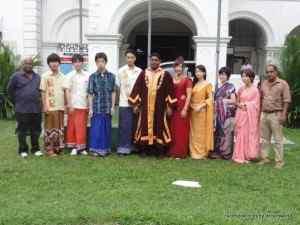 日本人もスリランカ人もサリー、サロンを着て記念撮影★