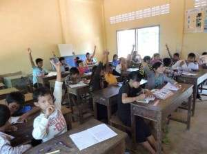 授業中の風景@カンボジアの村(海外ボランティア)