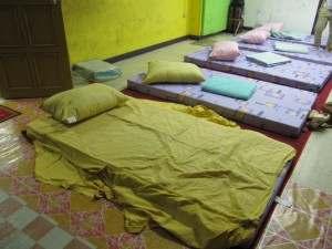 NGO施設ベッドルーム!