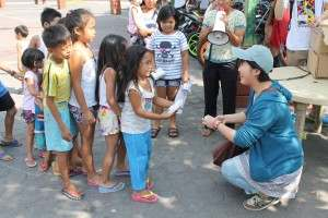 ぼらぷらストリートチルドレンへの給食活動@フィリピン